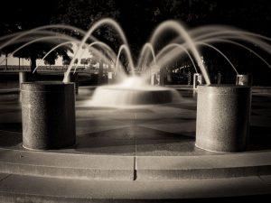 Charleston waterfront park fountain | blurred water